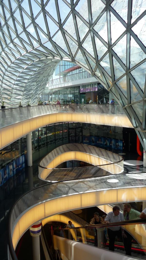 Beratung zu einem Sichtestrich im Einkaufszentrum MyZeil, Frankfurt am Main