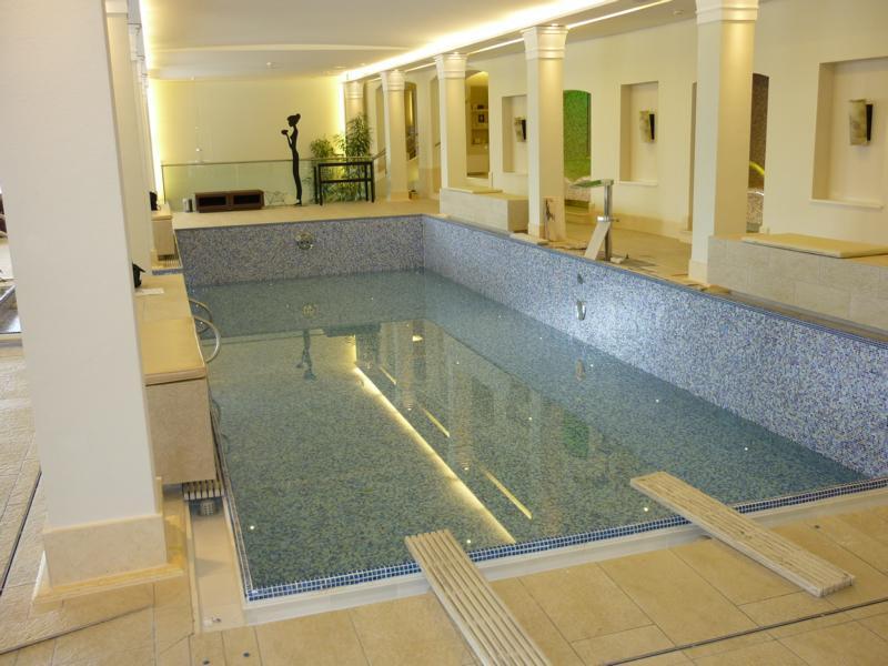 Beratung zu einer Verbundabdichtung im Spa-Bereich des Hotel Schloss Fuschl & Hotel Jagdhof, Hof bei Salzburg