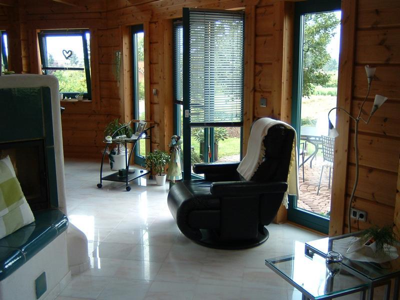 Untersuchung von Fußbodenverformungen in einem Holzhaus